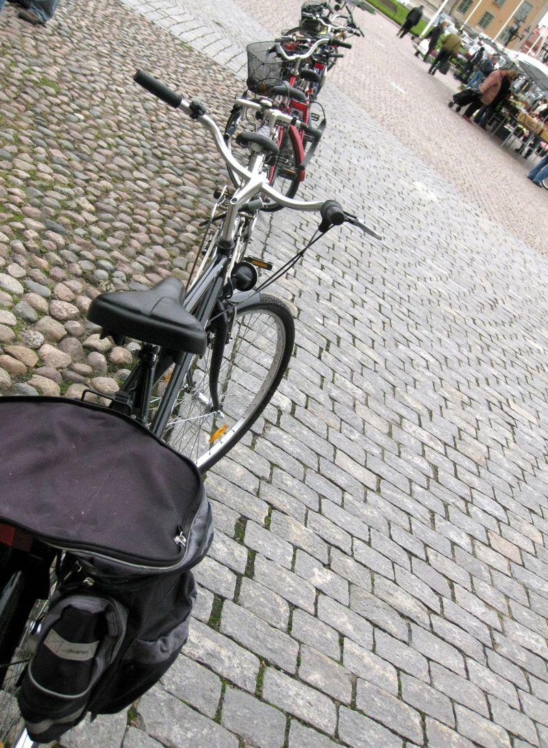 350 bikes in sqaure